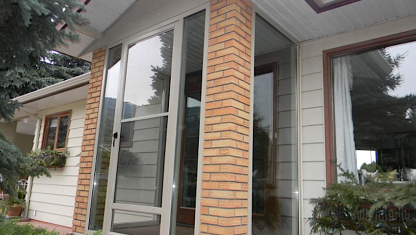 Glass Walls with Door To Close In Front Entrance